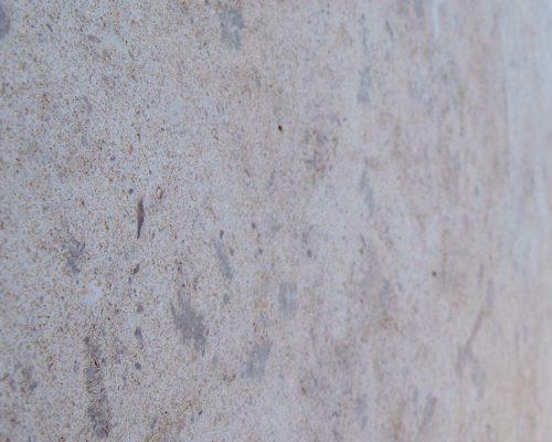 vêture isolée pierre
