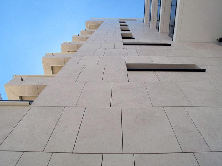 pose façade