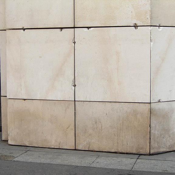 Accrochage pierre en façade